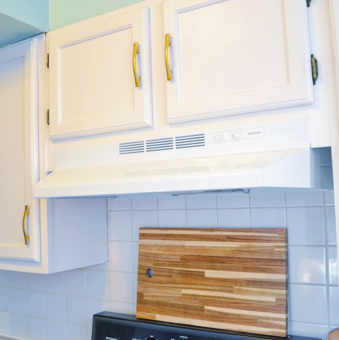 Rental DIY: Convert a hardwired range hood to plug in