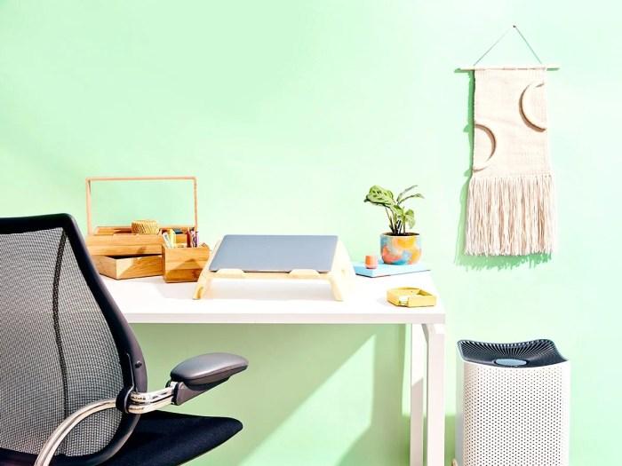 Desk Setup Essentials 1