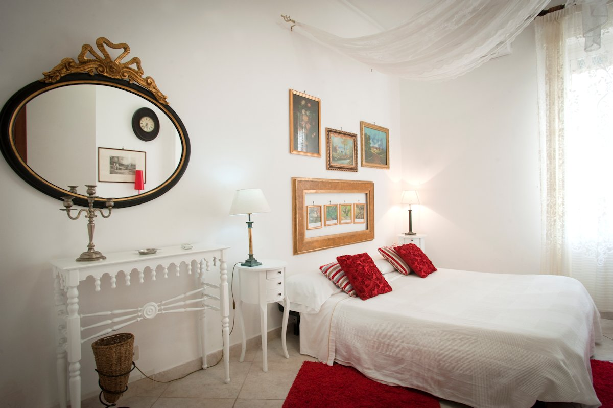 Guest room of the Hotel Europeo Flowers, Naples Italy
