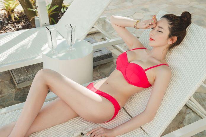 Lee Yeon Jeong MayBeach Bikini Pictures Series 6