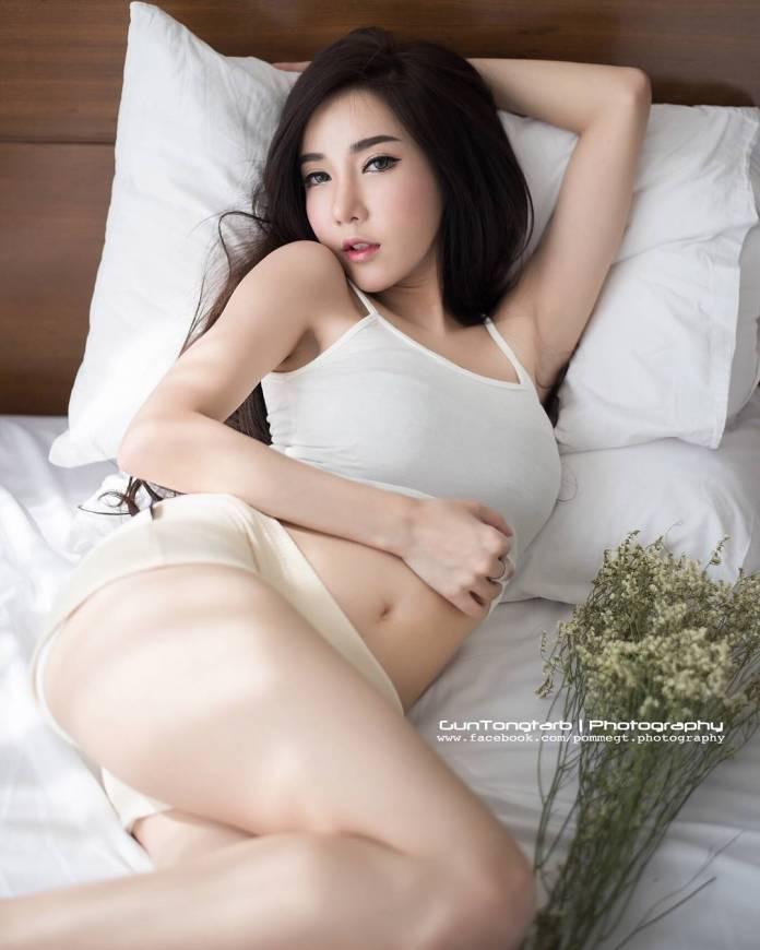 Sutassa Suthumjindakun Sexy Hot Picture and Photo