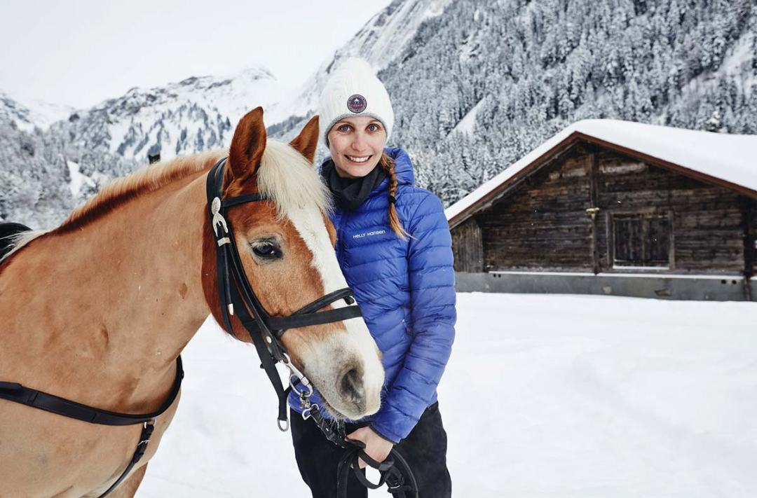 cheval-neige-villars-suisse-
