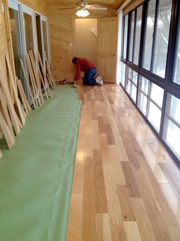 locking kitchen cabinets drop leaf white table 11 reasons to choose laminate flooring over hardwood