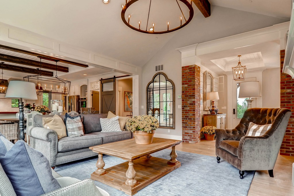 5930 Gladstone St Colorado-print-006-31-Living Room4-2700x1800-300dpi