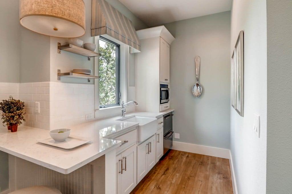 5930 Gladstone St Colorado-print-023-46-Lower Level Bathroom2-2700x1798-300dpi