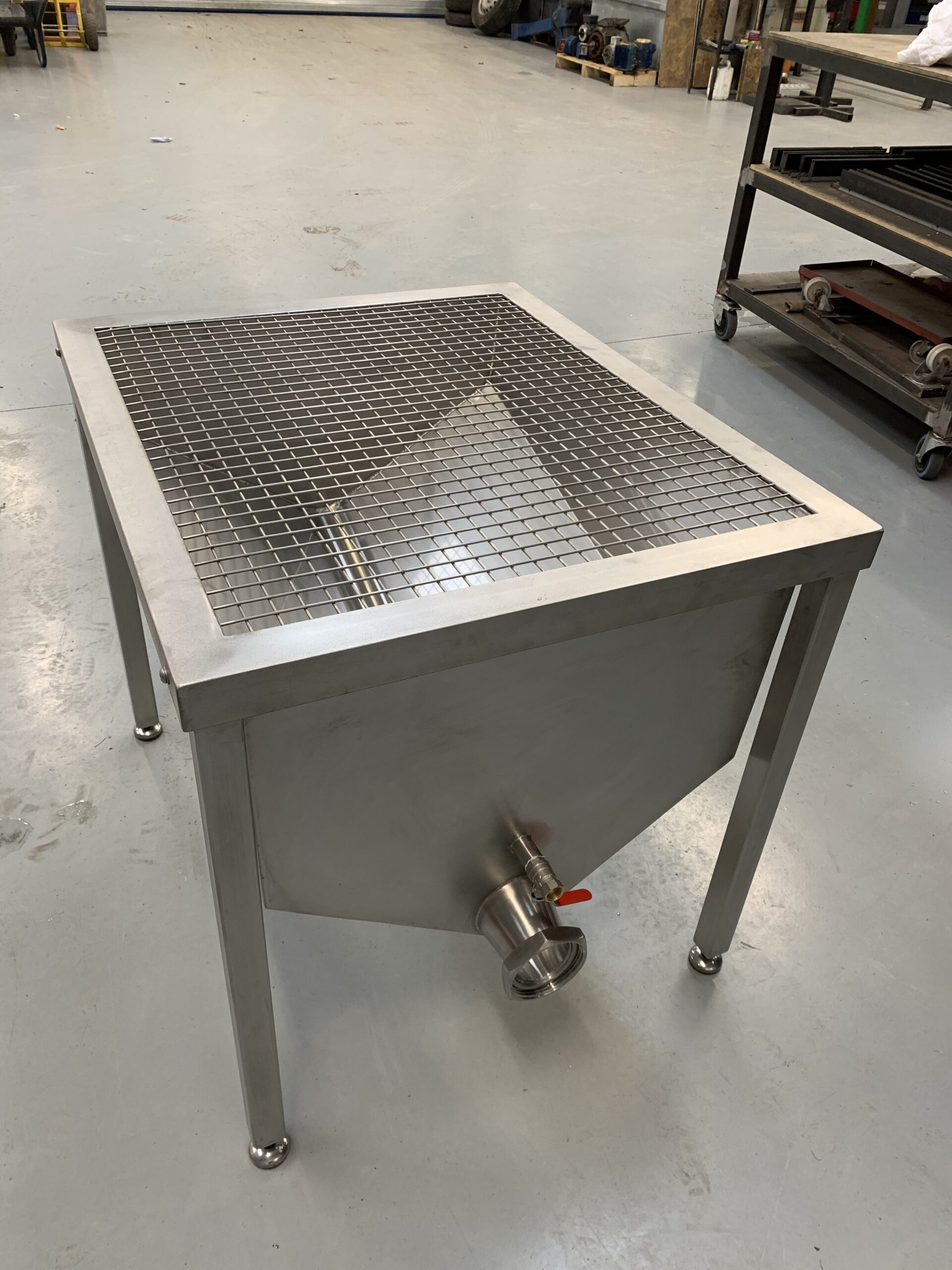 stainless stell tanks