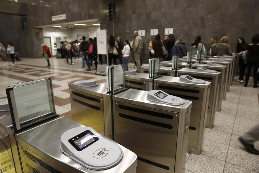 Μειώνεται η τιμή του εισιτηρίου στα μέσα μεταφοράς