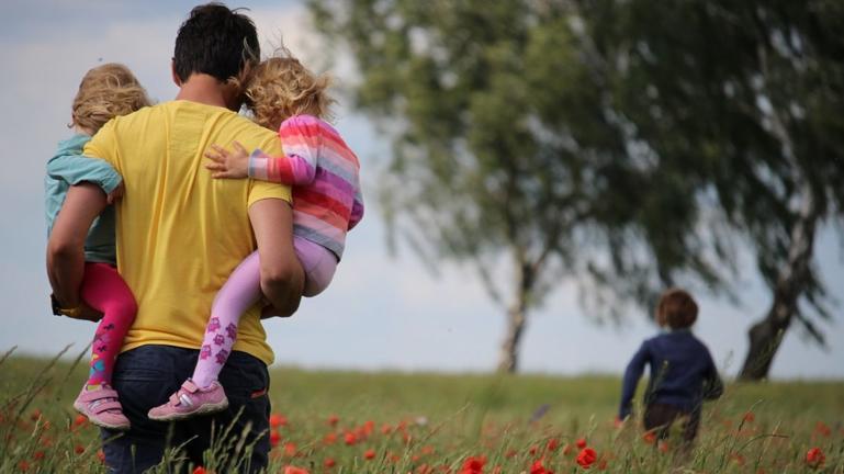 Εκπαίδευση υποψήφιων θετών γονέων στην Περιφέρεια Κρήτης