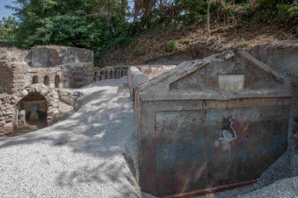 ελληνικά Πομπηία τάφος