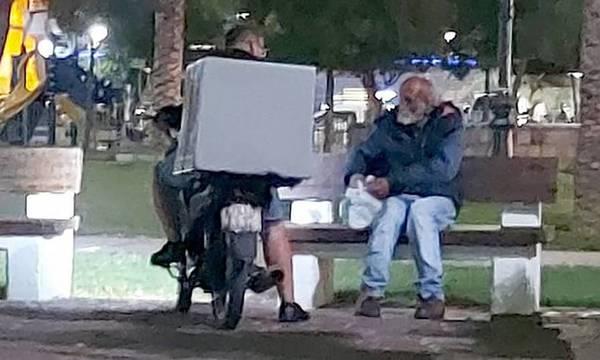 πάτρα διανομέας άστεγος