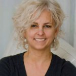 <i>Podcast: What's Up Bainbridge:</i> <br>Award-winning author Kate DiCamillo speaks Thursday Feb 26th
