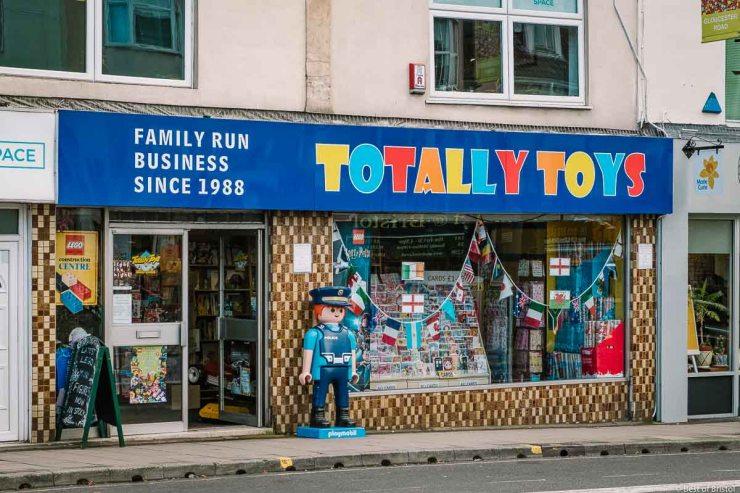 totally toys