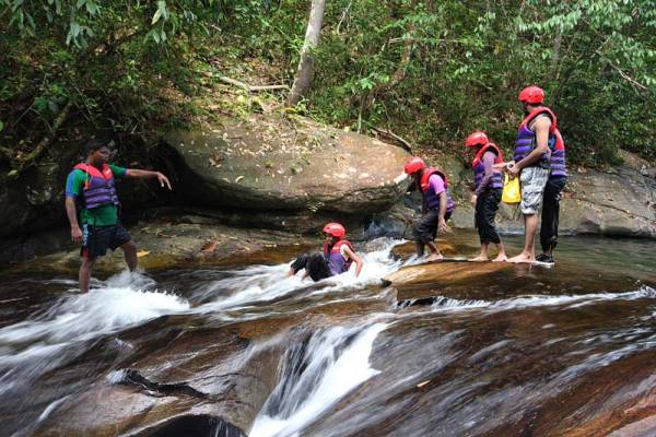Canyoning in Sri Lanka Canyoning in Kitulgala