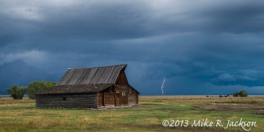 Moulton Barn Lightning_Sept17