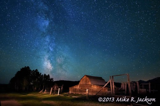 MoultonBarnMilkyWay1_June16