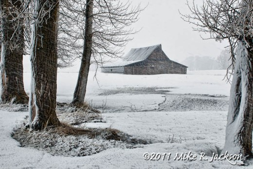 Moulton Barn Snowstorm April21