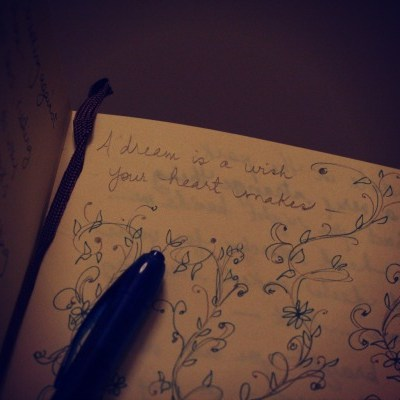 Journaling 101 // 10 Writing Prompts