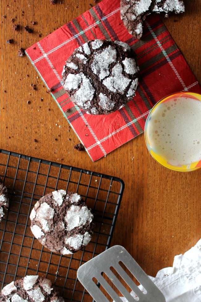 Christmas Crinkle Cookies gluten-free made with rice flour