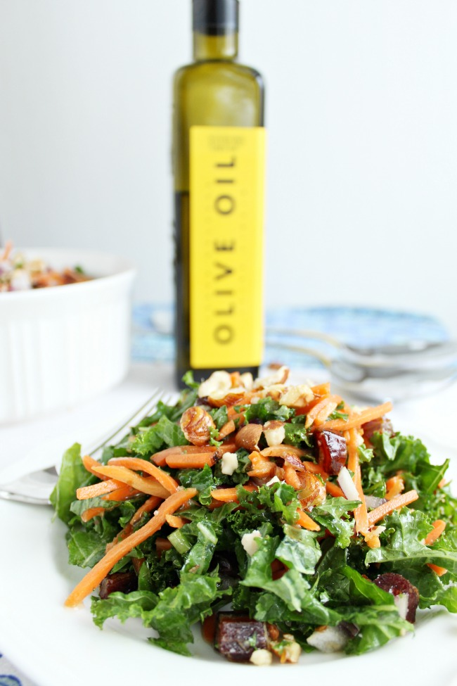 Delicious Kale Salad with hazelnuts and dates
