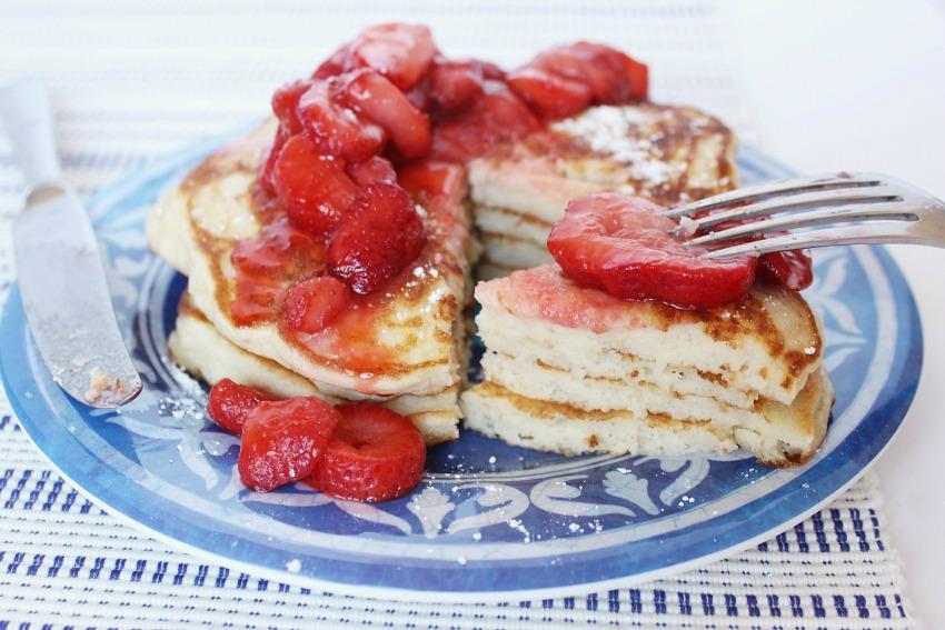 Buttermilk pancakes gluten-free bestofthislife.com