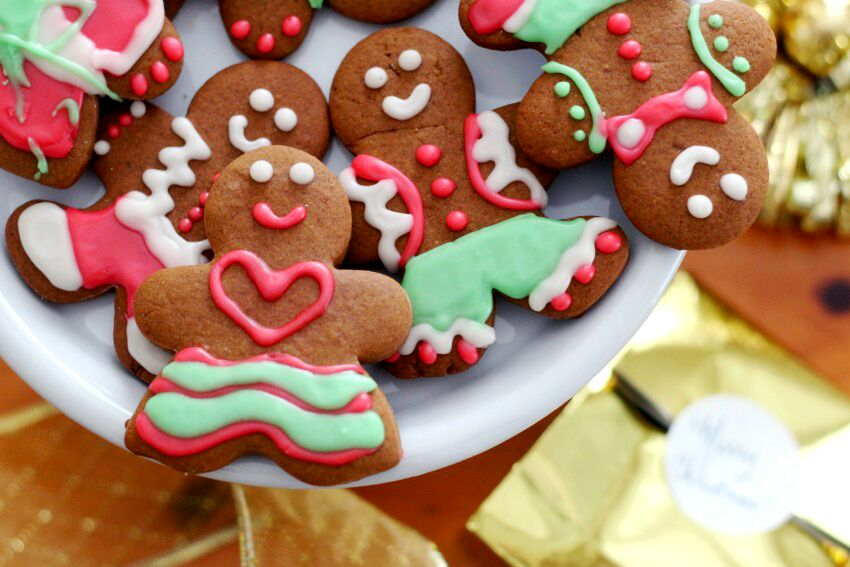 the-true-spirit-of-christmas-and-our-familys-gingerbread-men-women-recipe-on-lifestyle-blog-bestofthislife-com