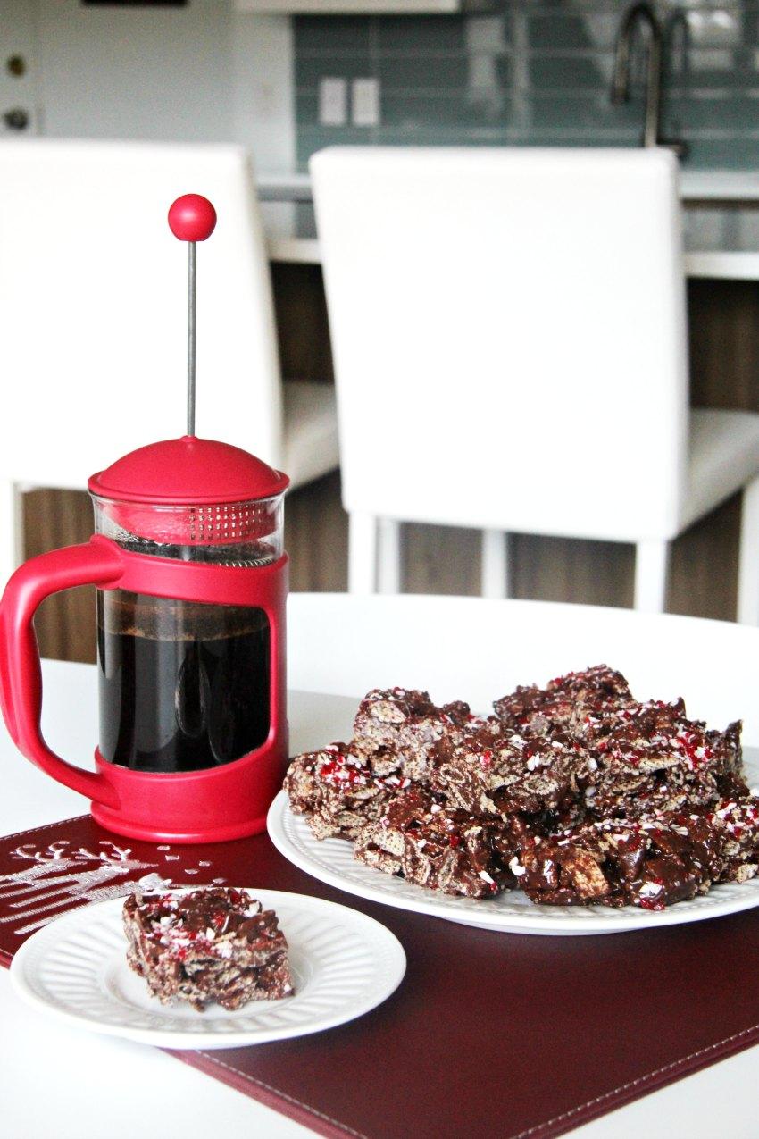 gluten-free-peppermint-crunch-chocolate-chex-bars-bestofthislife-com