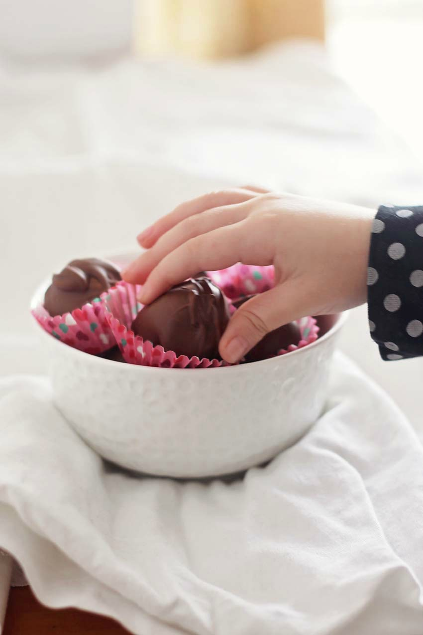 Homemade Chocolate Peanut Butter Truffles