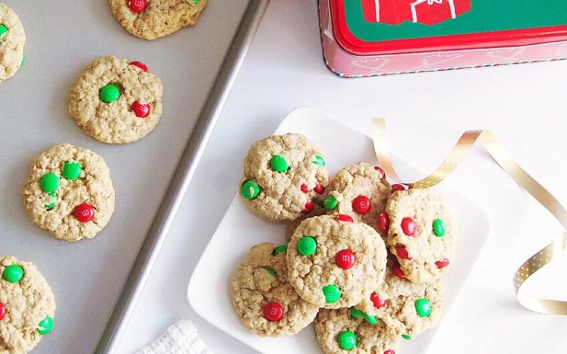 Gluten-Free Christmas Oatmeal M&M Cookies