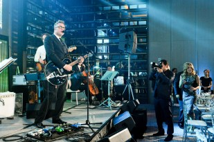 Steven Page and his band   Photo: George Pimentel