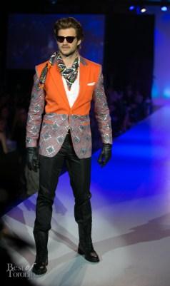 Mike Bradwell (Toronto Argos) wearing HD Homme