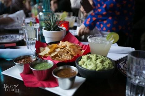 Guacamole Con Totopos and Salsas de La Casa