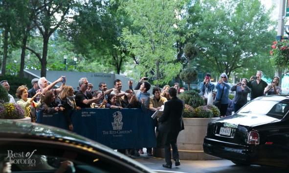 Mark Ruffalo giving fans some love outside the Ritz Carlton Hotel