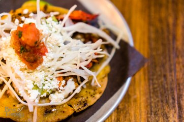 Langosta crispy taco: lobster sauteed in an arbol mantequilla | Photo: John Tan
