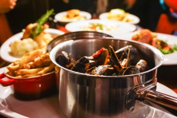 Mussels of the Day with fries
