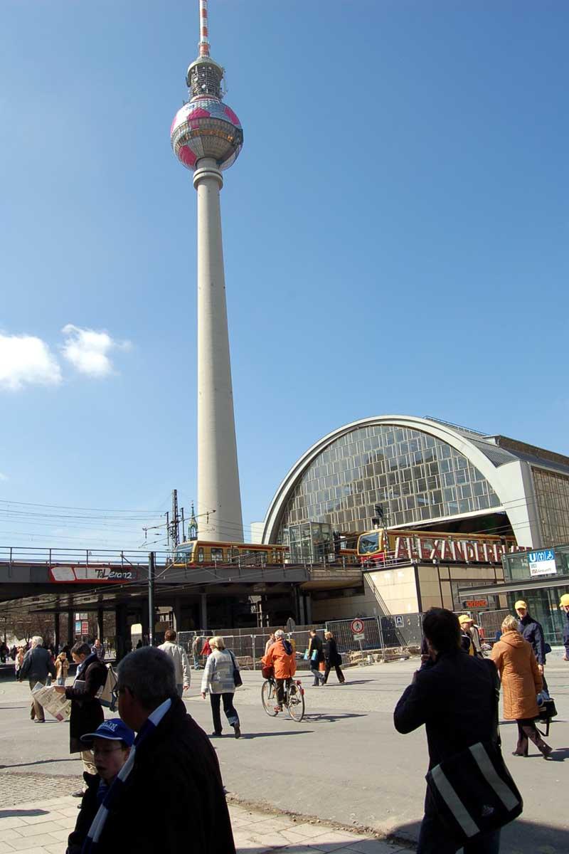 images alexanderplatz tv tower