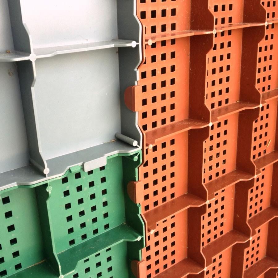 Piastrella in plastica da esterno per pavimentazione