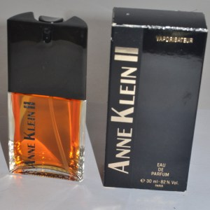 Anne Klein 2: Discontinued Perfume Has Deep, Rich Scent
