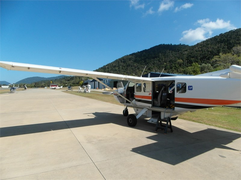 whitsunday-islands-flug-korallenriff-flugzeug