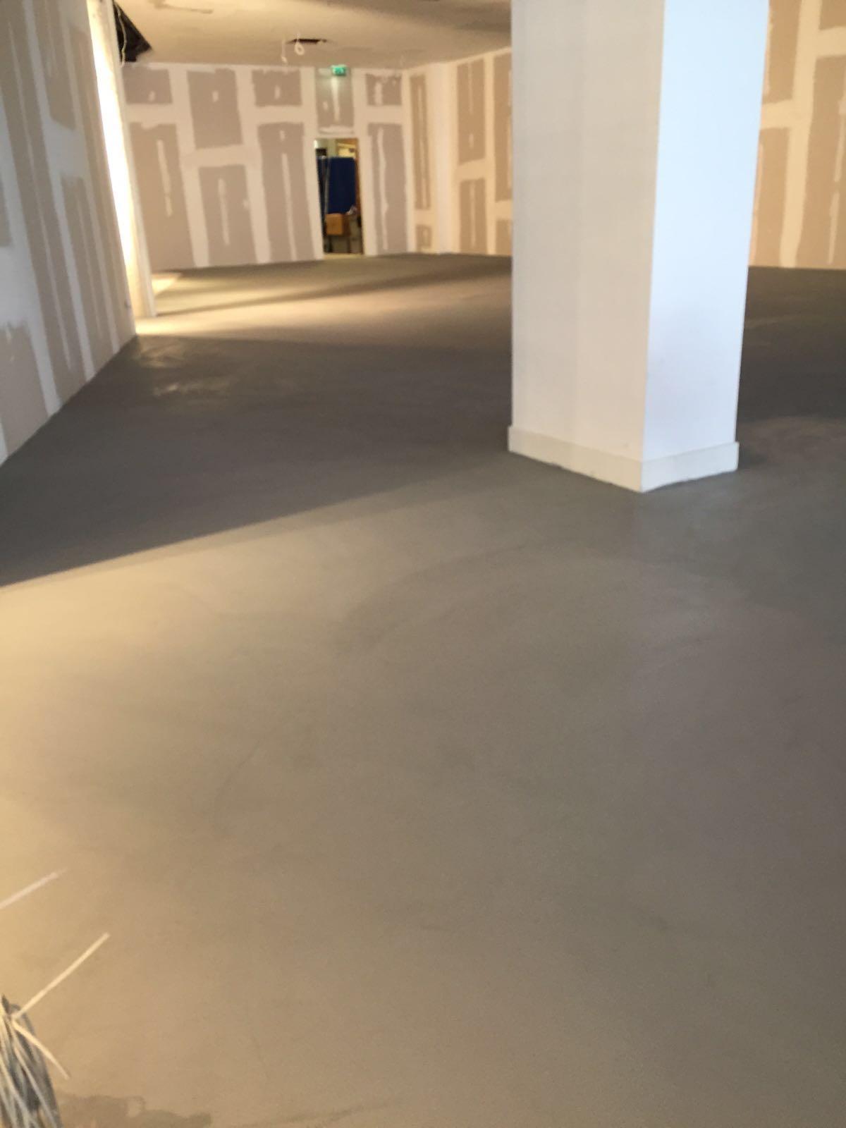 Betonlook gietvloer aanleunwoning Velp bestvloerrenovatie best building service