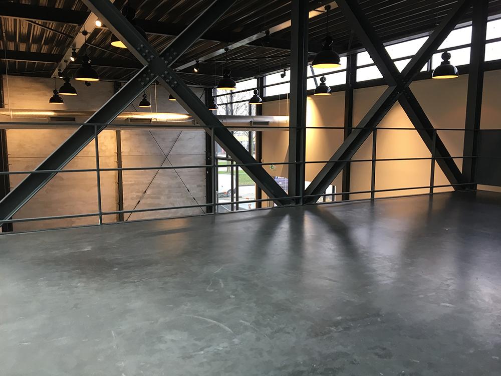 Vloer polijsten en impregneren Dronten 1000 m2 Best Vloerrenovatie Best Building Service B.V.