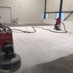 Betonvloer schuren bedrijfshal