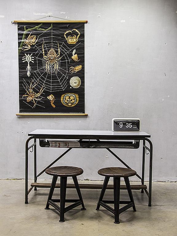 Industrieel vintage bureau schoolbank side table