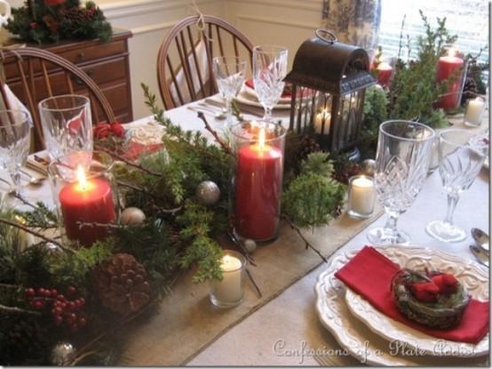 Come apparecchiare la tavola a Natale con addobbi naturali