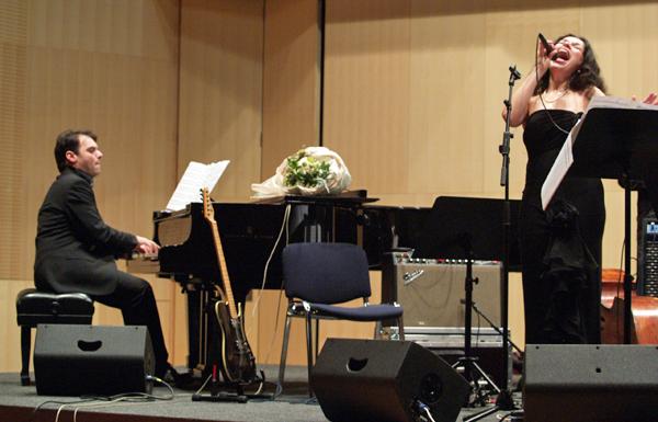 Lela & John Kaplowitz performing