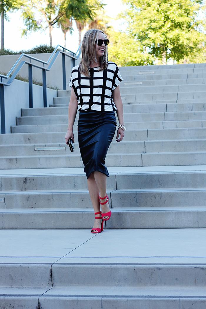 window pane print, black and white check, black pencil skirt, zara pencil skirt, kate spade wallet, stripe wallet,