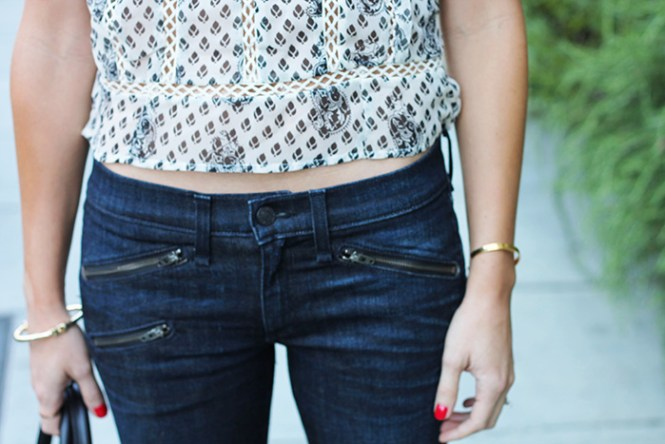 rag and bone jeans, zipper detail on jeans, black and white top