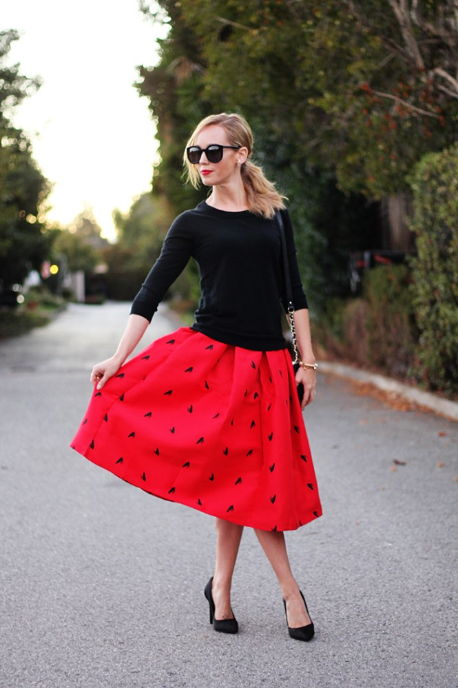 frog print skirt, red and black outfit ideas, date night outfit ideas, engagement photos outfit ideas