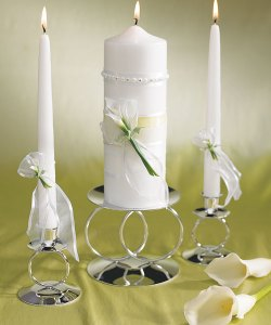 http://www.1weddinggift.com/406/light-up-your-event-with-candle-wedding-favors/
