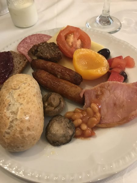 Full Irish breakfast--yum!