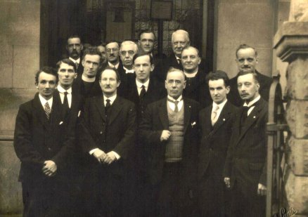 A photo from the day of Dr. Lloyd-Jones' Induction on the steps of the Chapel - 1927